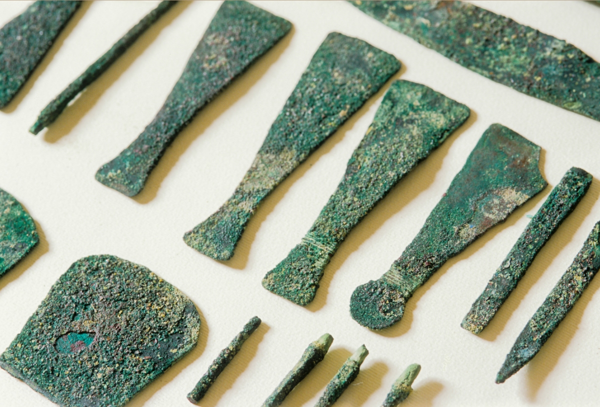 Metal Tools of the Pyramid Builders and other Craftsmen in the Old Kingdom
