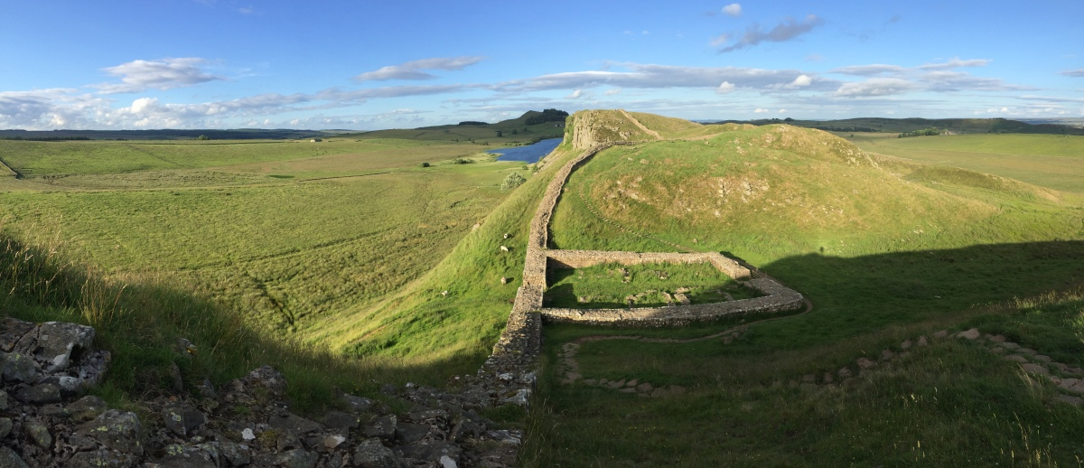 Hadrian's Wall. A study in archaeological exploration andinterpretation