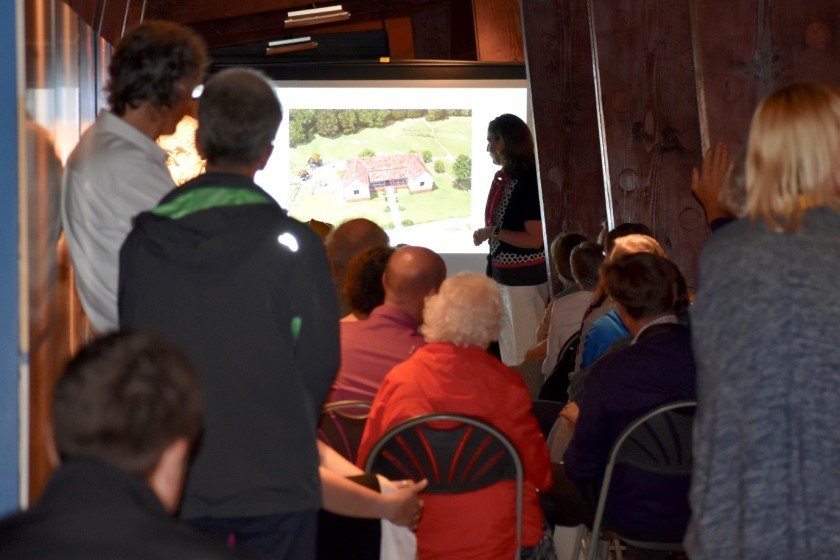 02 Caroline Mackenzie presenting her research at Lullingstone Roman Villa, July 2019.jpg