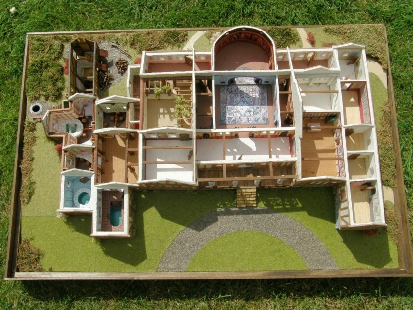 16 Scale model of Lullingstone Roman Villa.jpg
