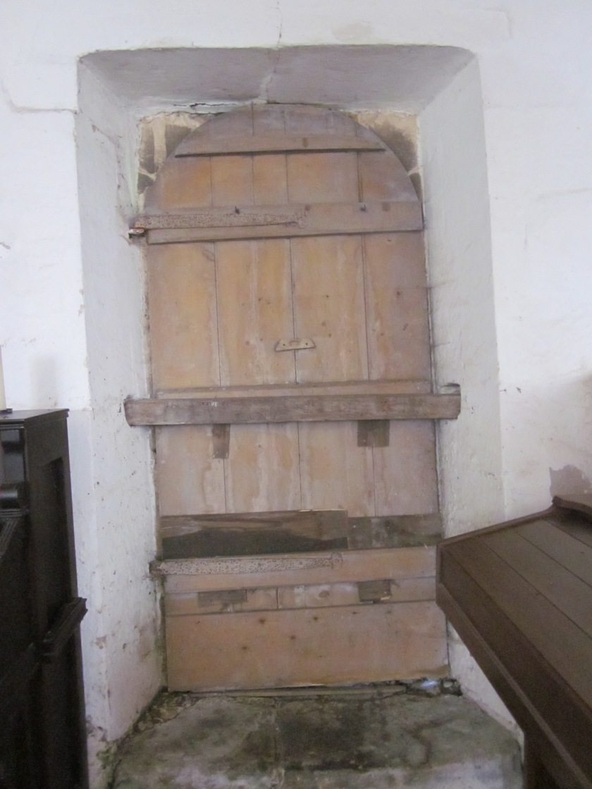 Fig. 1.7 Stragglethorpe NL280 N Door with Bar Lock in place